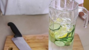 550px-Make-Cucumber-Water-Step-7-preview