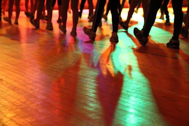 dance-971082_640